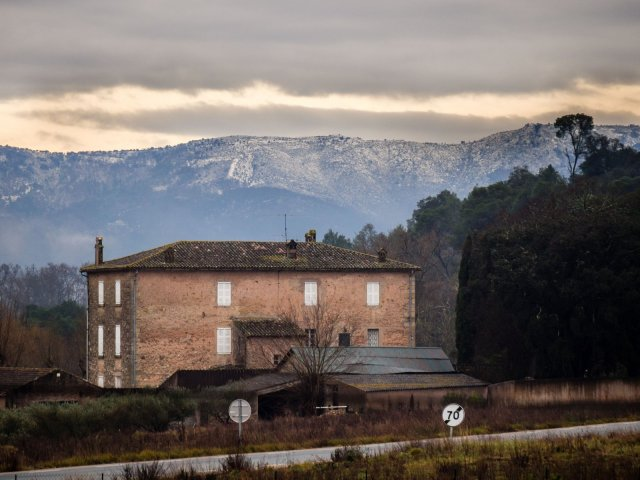 Snow on the Massif des Maures from our house (with the telephoto lens)