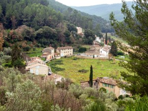 The small village of Rebouillon at the southern end of the road.