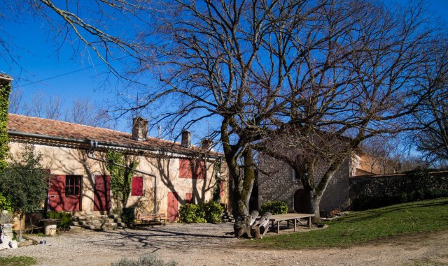 Vérignon may be a tiny hamlet, but it has its own chapel and graveyard